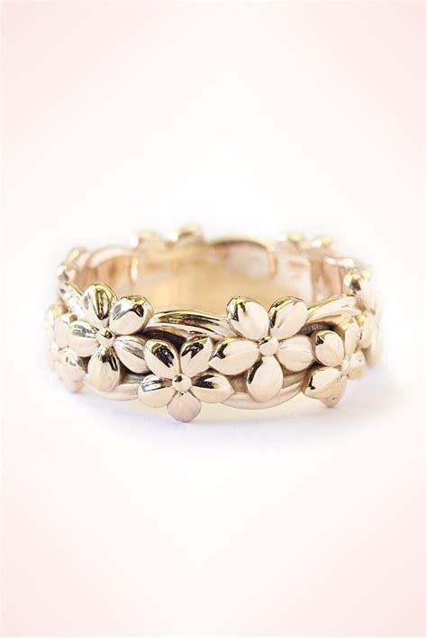 Floral Hawaiian Jungle Ring. Unique Gold Wedding Band for