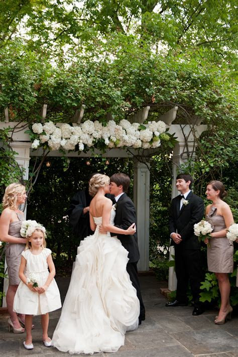 Southern weddings, Spindle Photography, white hydrangea