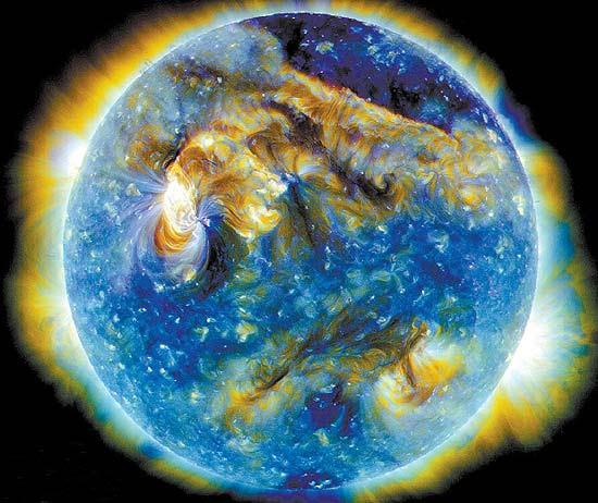 Imagem da Nasa mostra erupções no Sol