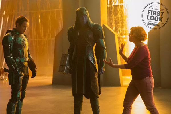 Director Anna Boden discusses a scene with Lee Pace (as Ronan the Accuser) and Jude Law (as Mar-Vell) on the set of CAPTAIN MARVEL.