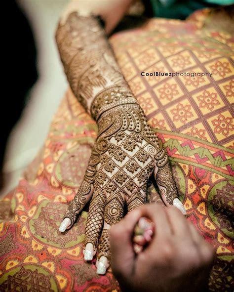 Best 25  Indian wedding henna ideas on Pinterest   Wedding