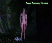 Teresa Tavares nua na peça de teatro Julia