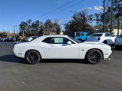 dodge challenger rt scat pack  coupe