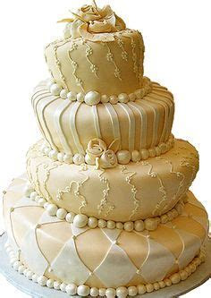 1000  images about More Elegant Wedding Cakes on Pinterest