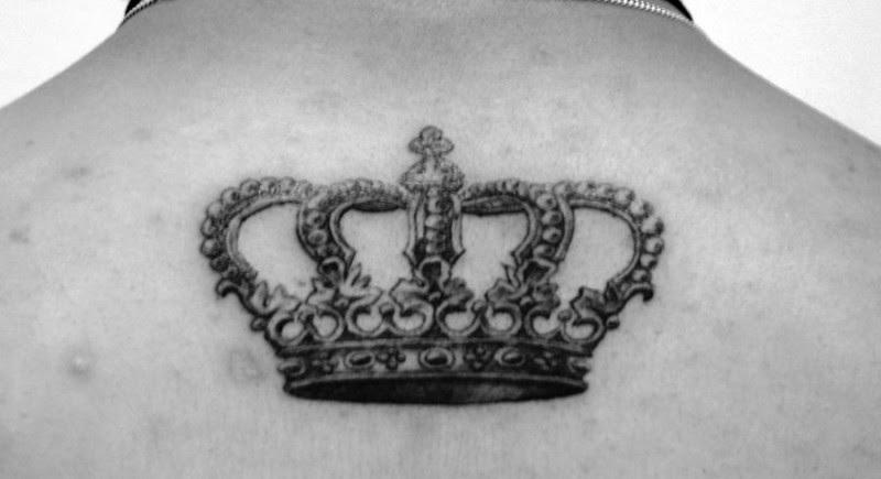 Nice Crown Tattoo On Upper Back Tattoos Book 65000 Tattoos Designs