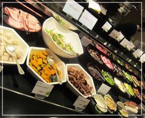 ウェスティンホテル東京の朝食ブッフェ。冷菜コーナー。