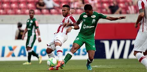 Náutico perdeu muitos gols, mas venceu Luverdense por 1x0 na Arena / Edmar Melo/JC Imagem