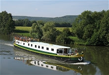 12-passenger Savoir Faire, cruising in Burgundy.