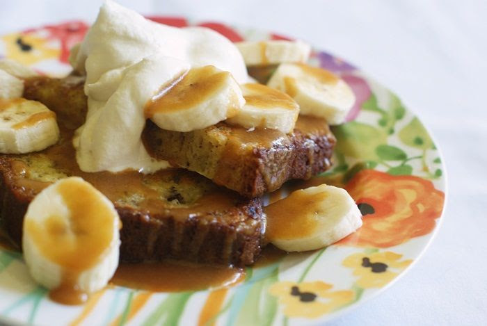 banana bread french toast with peanut butter maple syrup | bakeat350.net