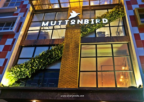 Muttonbird, Kafe Dengan Rooftop di Surabaya (Permanent Closed)