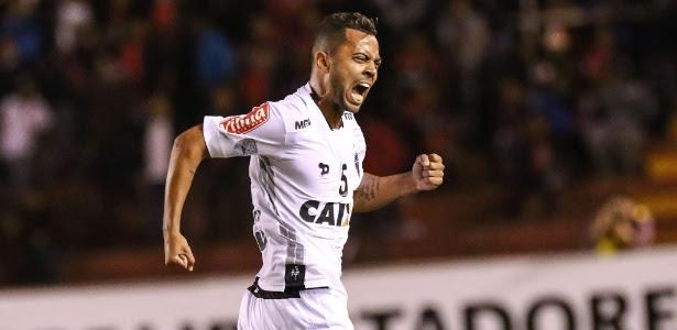 Rafael Carioca comemora o seu gol pelo Atlético-MG contra o Melgar, na Libertadores