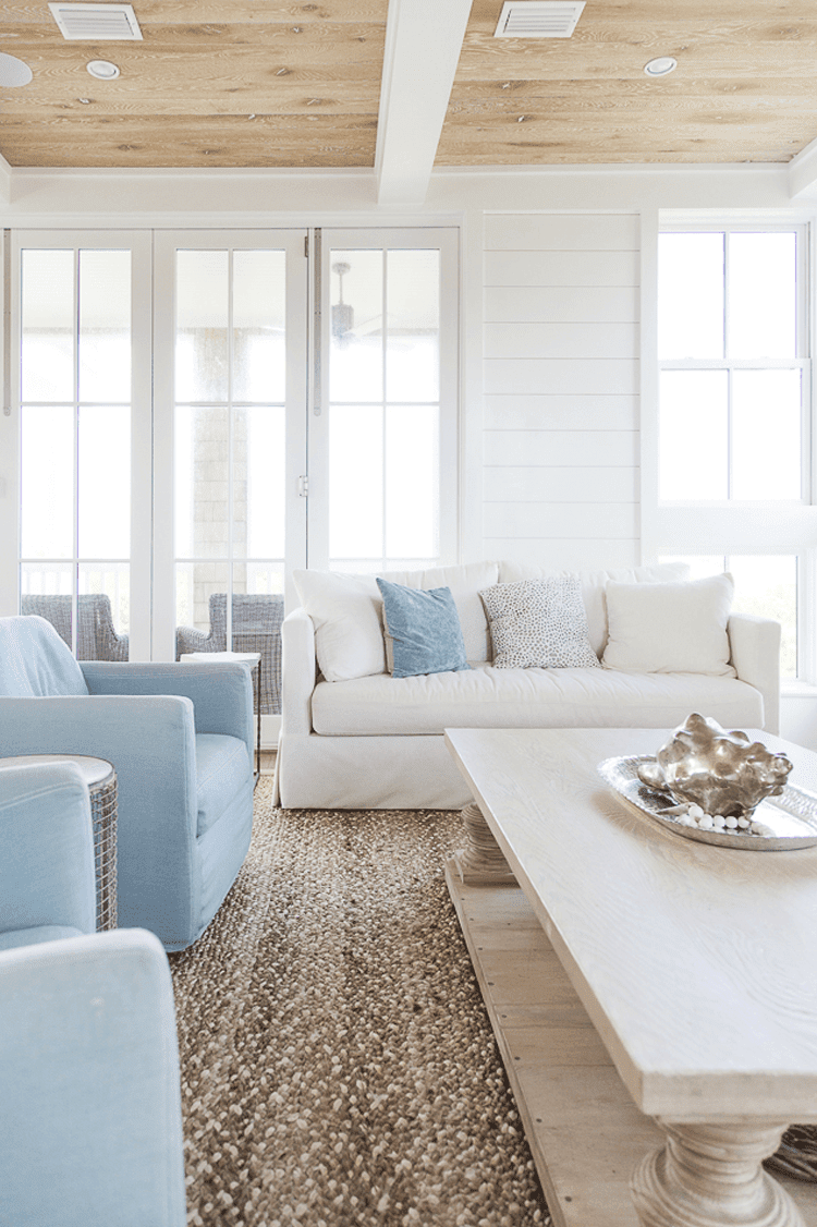 A TAN AND BLUE COLOR PALETTE FOR COASTAL LIVING ROOMS ...