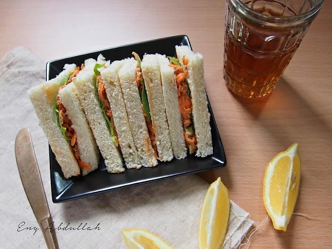 Sandwich Sardin Lobak Merah For Breakfast