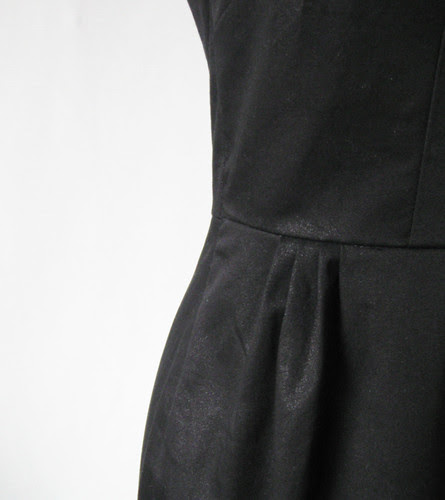 Vogue 8280 skirt front pleat detail