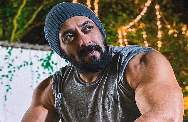 बॉलीवुड के सुपस्टार सलमान खान को आज भी लगता है माता-पिता से डर