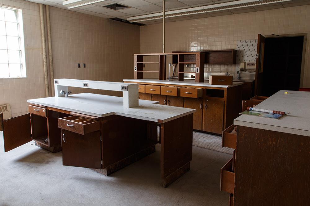 Fergus Falls State Hospital © 2014 sublunar