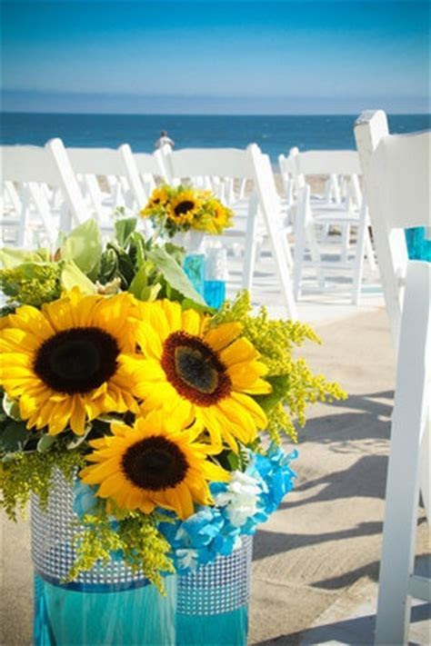 Best 20  Turquoise Wedding Decor ideas on Pinterest   Teal