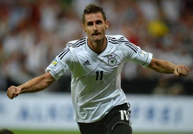 Klose breaks Muller's goals record for Germany