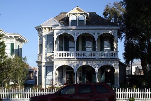 howard carnes house