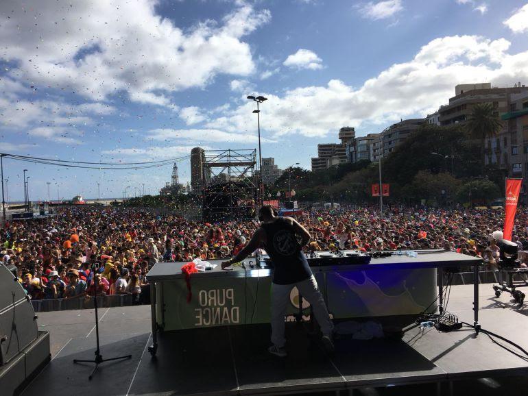 Éxito rotundo en el Carnaval de Día de Radio Club Tenerife y Máxima FM