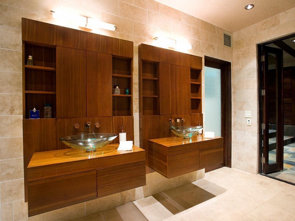 Small Bathrooms Big on Beauty | HGTV