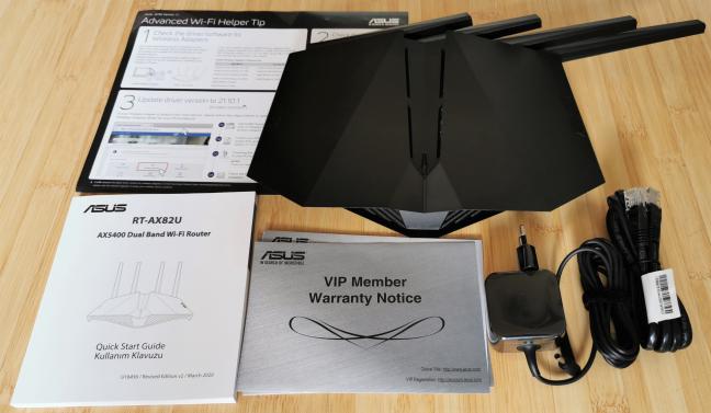 ASUS RT-AX82U: lo que encuentra dentro de la caja
