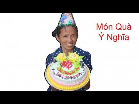 Bà Tân Vlog - Món Quà Ý Nghĩa Từ Các Cháu Chúc Mừng Bà Đạt 1 Triệu Sub