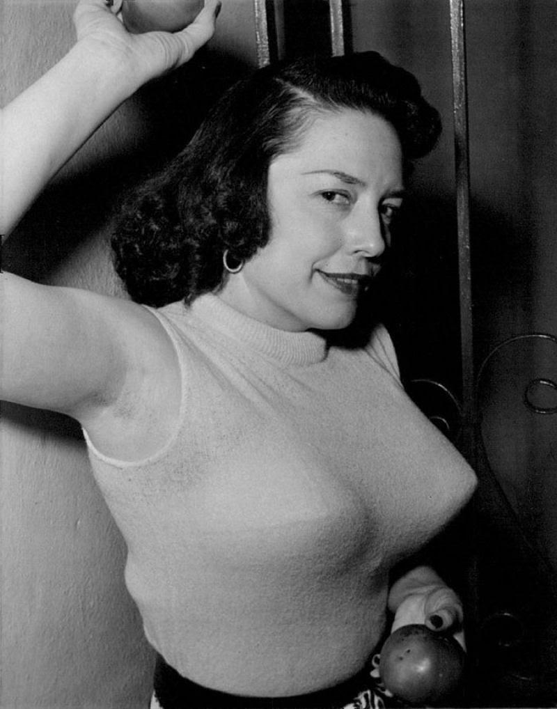 A história das Sweater Girls e os sutiãs-torpedo 32