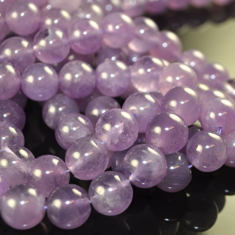 s33584 Stone Beads - 12 mm Round - Lavendar Amethyst (1)