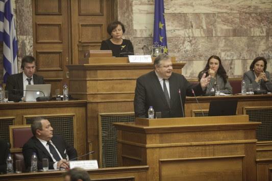 Πρόκληση τούρκου βουλευτή μέσα στην ελληνική Βουλή - Οργισμένη απάντηση Βενιζέλου