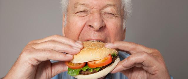 """""""Los mismos efectos de la cocaína"""": qué le ponen a la comida basura para que te enganches"""