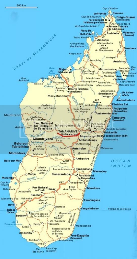 http://i1252.photobucket.com/albums/hh578/chevrette13/Madagascar/madagascarpopTANA_zps8d16cfec.jpg