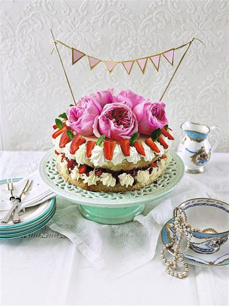Cakes fit for the Queen: My Queen Elizabeth sponge   Daily