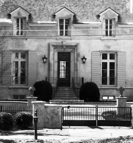 P1000939-2010-02-24-Provincial-Chateau-Dixon-Battle-Door-Window-Detail-BW