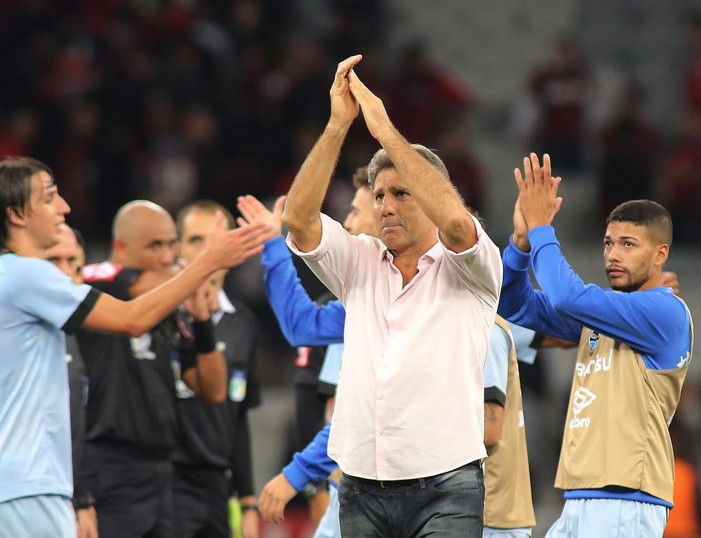 Renato gostou da atuação do Grêmio na Arena da Baixada (Foto: Giuliano Gomes/PR Press)