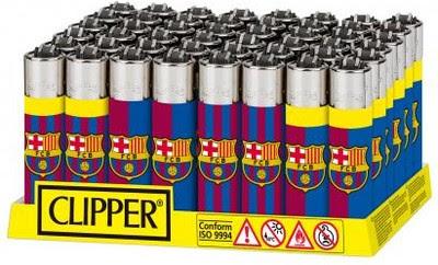 Isqueiros com a marca de Barcelona e Real Madrid são populares na Espanha (Foto: Reprodução)