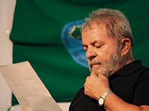 INTIMADO Na condição de testemunha, o ex-presidente Lula falou à PF sobre o mensalão (Foto: Layal Antanios/Fotoarena/Folhapress)