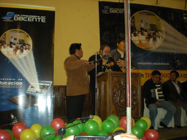 Entragega de laptops en Villazón Bolivia