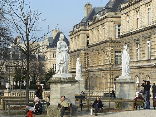 statues du luxembourg.jpg
