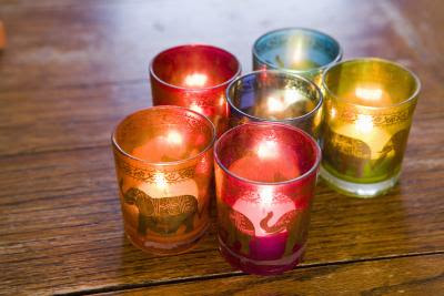 Making candles for gift-giving is a great hobby.