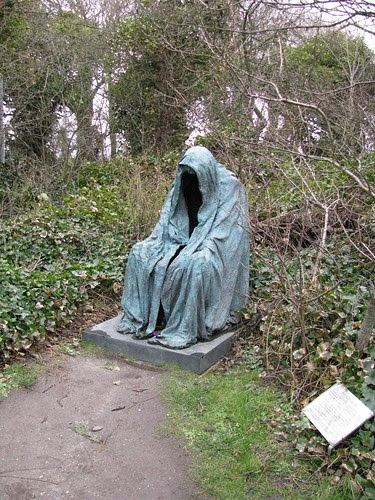 Objects_040_Cemetery_Statue_by_Dreamcatcher_stock_1000