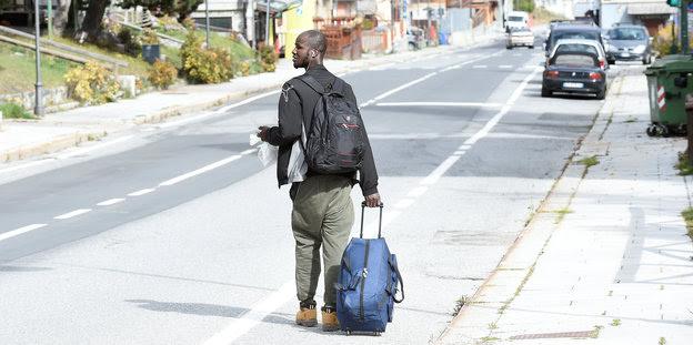 Ein Geflüchteter in Claviere, in der Nähe der französischen Grenze