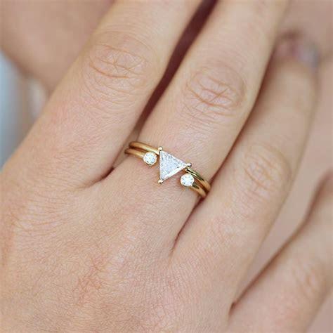 Triangle Bridal Wedding Set with a Dual Diamond Ring 0.5