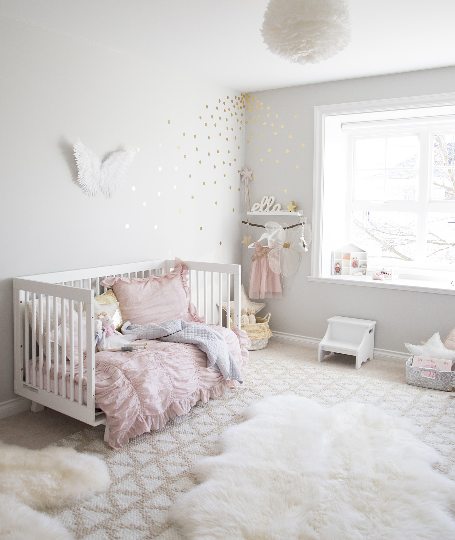 ELLA'S SOFT PINK AND GOLD TODDLER ROOM — WINTER DAISY ...