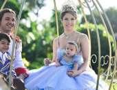 A pequena Ysis ganhou uma celebração digna de princesa com o tema 'Cinderela'