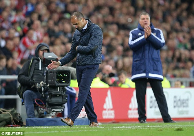 Martinez spins on his heels in frustration during Everton's tame surrender at Sunderland on Wednesday night