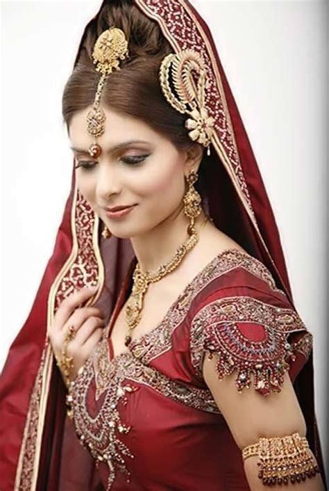 25 Les plus beaux looks de mariée indienne