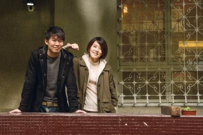 陳和榆(左)笑稱劉瑜萱(右)是他的警鐘,總在他偏離創作方向時,將他拉回軌道。(莊坤儒攝)