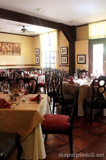 Ilustrado Restaurant Dining