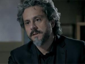 Zé Alfredo tem conversa reveladora com Cristina (Foto: TV Globo)